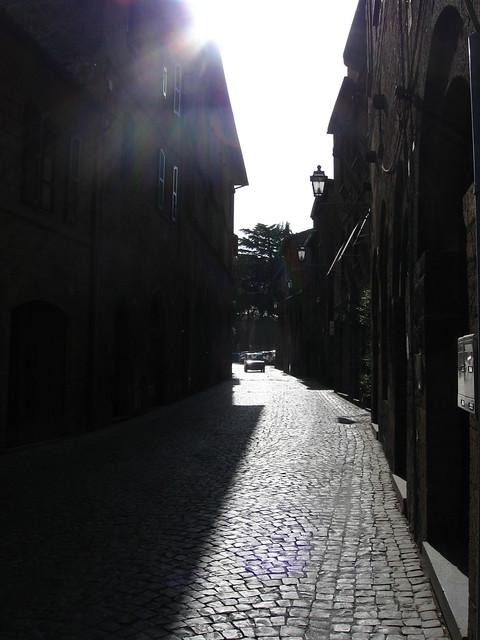 オルヴィエートの街角のフリー写真素材