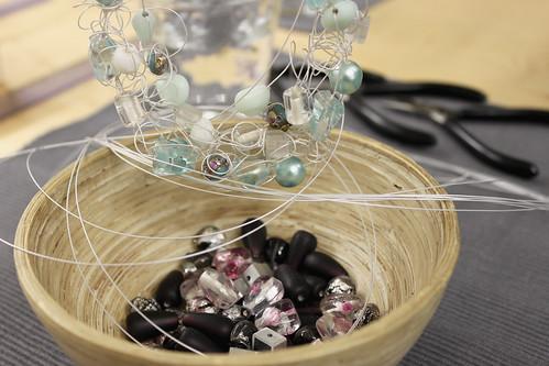 Material und Muster für ein gekräuseltes Collier