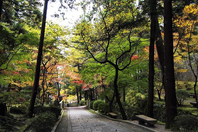 101115_100313_霊山寺