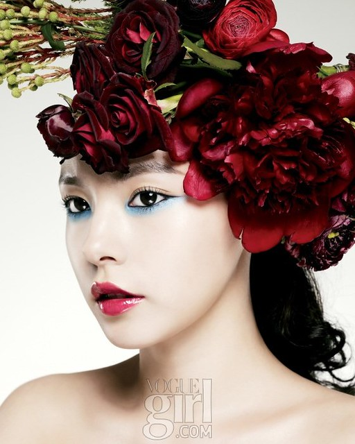 Min-Hyo-rin-for-Vogue-Girl-Korea-January-2011-2