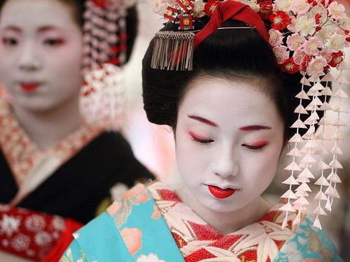 japan : maiko (apprentice geisha) satoryu and umesaya