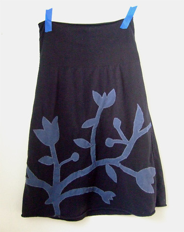 Black T-Skirt Blue Applique