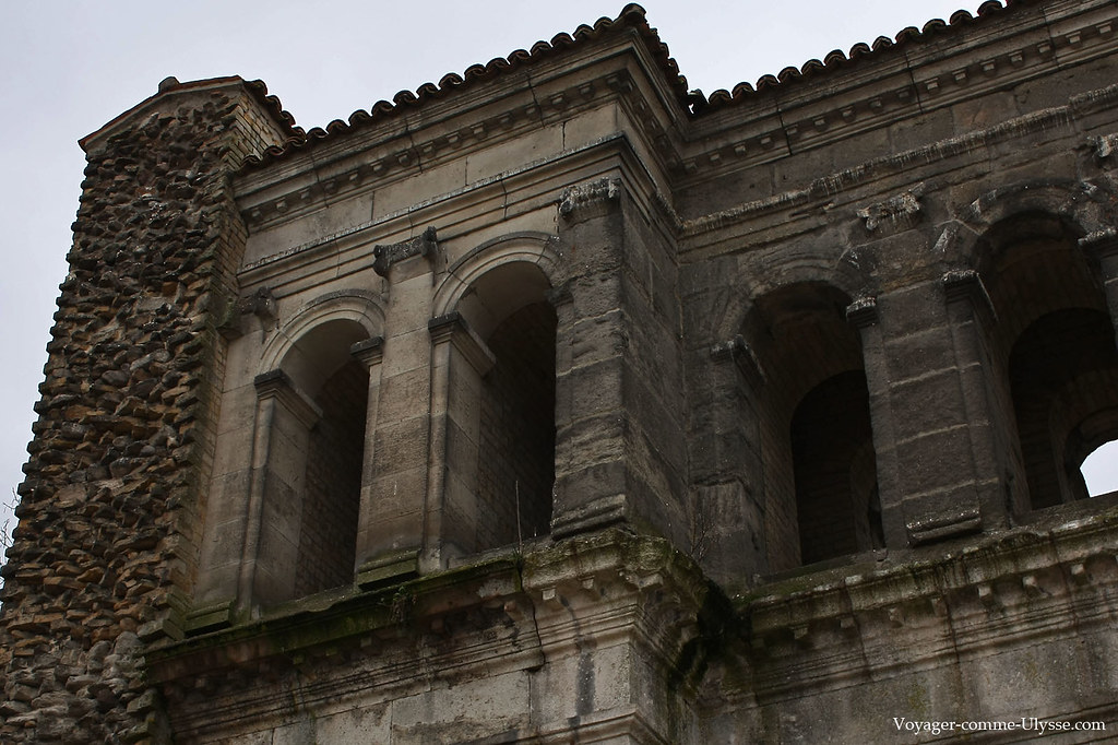 Tuile, pierre et brique, éléments principaux de construction romains