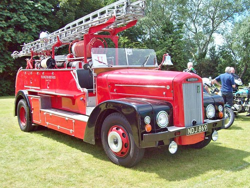 235 Dennis Fire Engine (1961)
