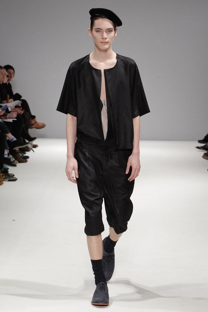 Jaco van den Hoven3193_FW11_London_Ones To Watch - mrLIPOP London(VOGUEcom)