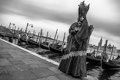 mask to the Carnival of Venice (anthony pappone photography) Tags: pictures street carnival venice party people blackandwhite bw italy white black art blancoynegro festival digital canon lens photography photo blackwhite calle italia foto arte mask image picture culture unesco fotografia vicolo carnevale venezia maschera reportage photograher  phototravel      danze          mark5dii