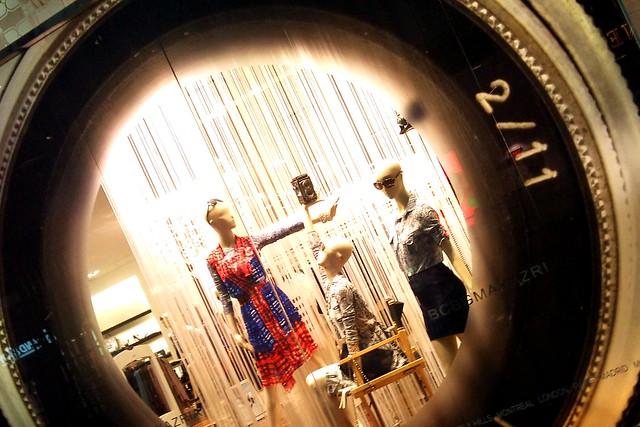 camera toronto ontario canada mannequin window store mannequins gimp eatoncentre bcbgmaxazria dsc3420edit