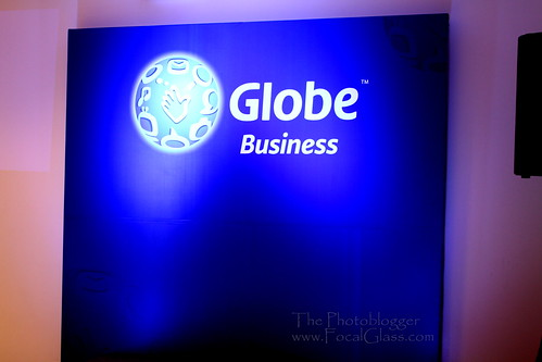 Globe Business Logo