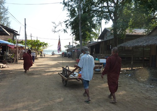 Ngwe Saung-Rivieres-Villages (27)