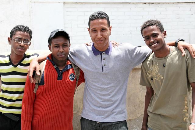 エジプト 列車でルクソールからアスワンへ 途中下車した青年達