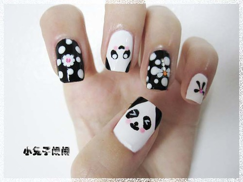 nail art : big eye panda