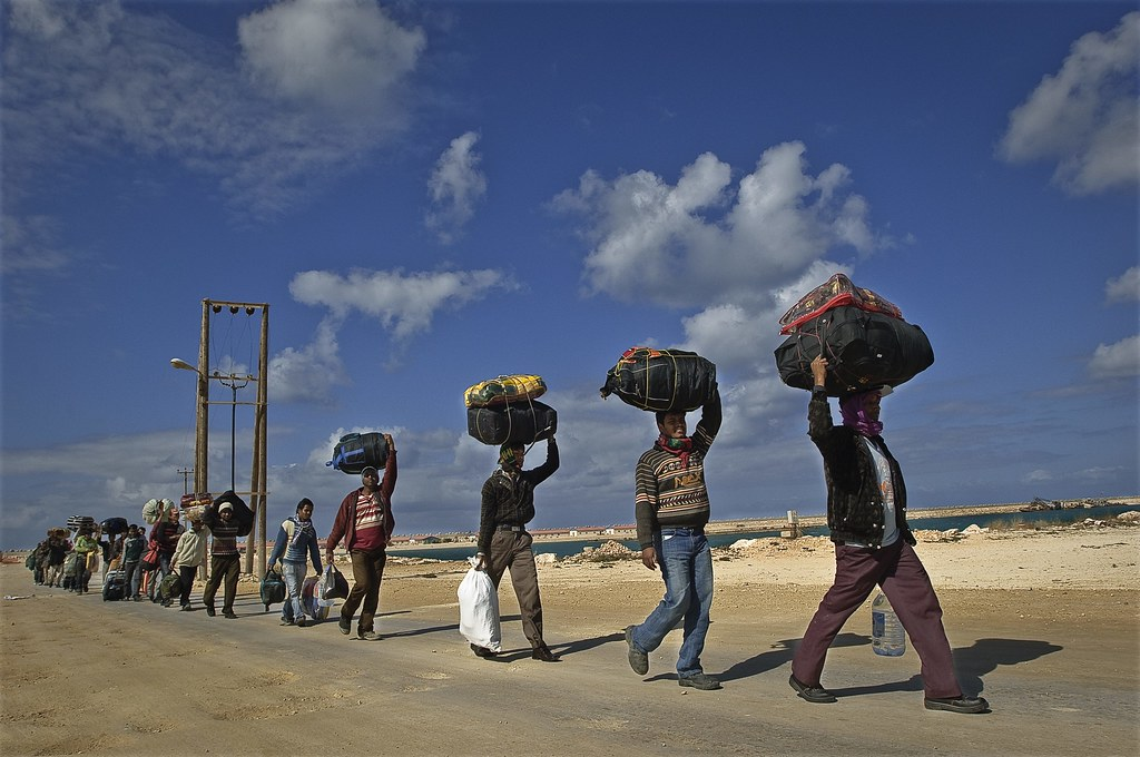 UNHCR News Story: UNHCR prepares for possible massive influx to Egypt from Libya