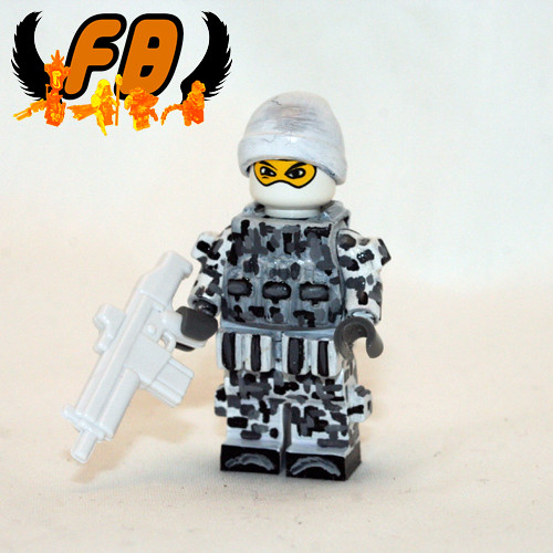 Custom minifig Winter Commando custom minifigure