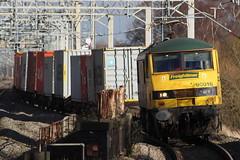Freightliner Class 90 - 90016 - Tamworth - 4M81 (NewSpectrum) Tags: electric train rail railway loco cargo class container locomotive shipping 90 freight skoda tamworth 2014 freightliner intermodal 25kv 90016 4m81