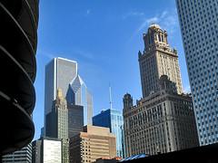 State Street 61 - Looking towards Loop skyscrapers (worldtravelimages.net) Tags: chicago statestreet theatredistrict 2016 worldtravelimages