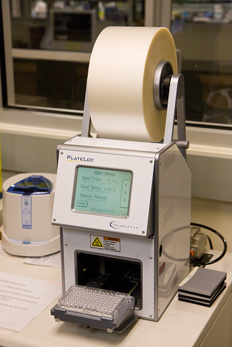Gene sequencing lab, Sackler Institute for Comparative Genomics