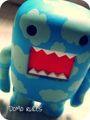 Meu DOMO de nuvem... (Teka e Fabi®) Tags: blue azul clouds toy brinquedo domo nuvens tekaefabi