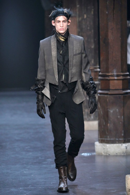 Ann Demeulemeester Mens Fall 2011 collection - paint splatters 5