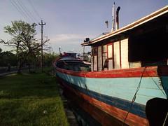 parkir (motozine snapshot!) Tags: harbour motorola makro pelabuhan kapal tegal zn5 motozine motorolazn5 kotategal talikapal lensamakro