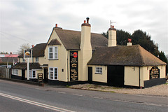 uk england food sun house public bar rising reading pub inn creative commons snacks roadside a4 berkshire woolhampton