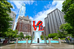LOVE Park -Landscape- (Michael Smith Imagery) Tags: city philadelphia fountain lovepark comcastbuilding