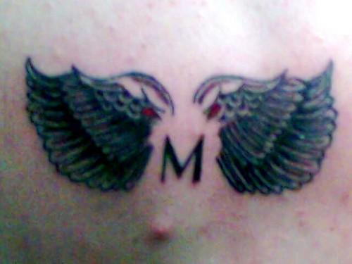 tattoo de alas. tattoos de tribales.