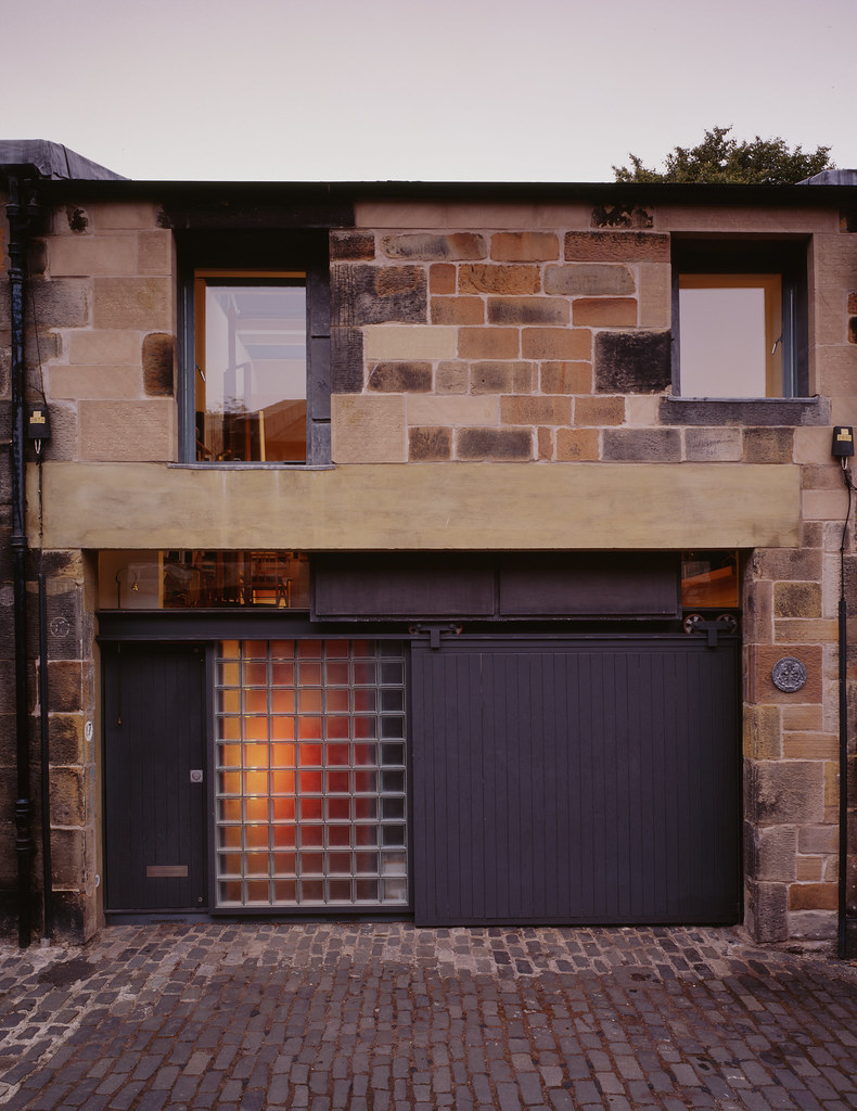 Richard murphy architects 17 royal terrace mews edinburgh exterior detail existing site prior to development faade of mews photograph by allan forbes rubansaba