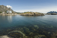 Vestfjordsuitene i fjra (Svinya Rorbuer) Tags: lofoten utsikt hotell svinya