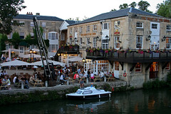 Rattlin' Rogue moored at Head of the River Pub Oxford-340 (Scott A. McNealy @noboundaryphotography) Tags: uk greatbritain flowers summer england architecture restaurant boat pub europe unitedkingdom drinking social oxford tables riverthames oxfordshire oxon boatcrane boatwench fullerspub scottamcnealyphotographer theheadoftheriverpubandrestaurantoxford boatmooredatpub boatmooredattheheadoftheriveroxford lookingfromfollybridge peopleenjoyingsummeroutsideatpub peopleatpub peopledrinkingoutsideatriverfrontpubsummer
