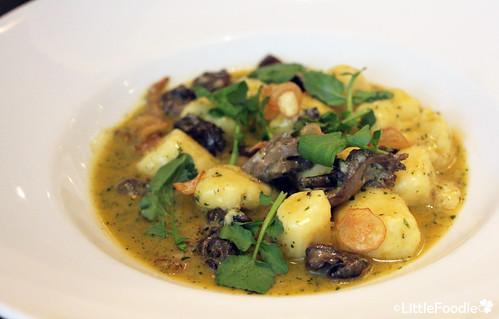 Potato-fromage blanc gnocchi