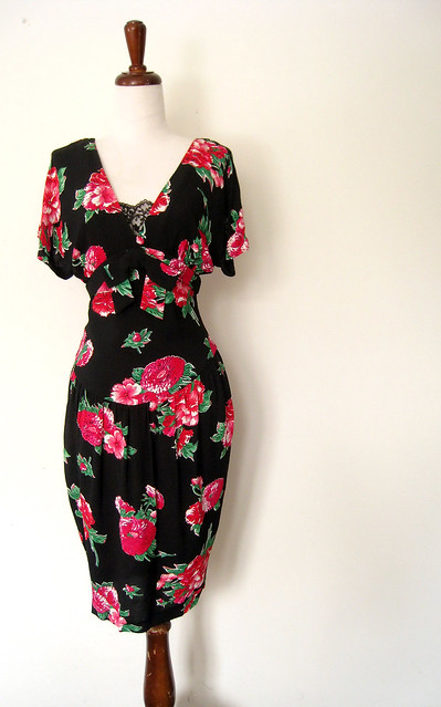 Bright Pink Mums Floral Rayon Dress, vintage 80's