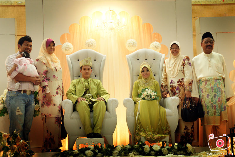 CHE-AZAHAR'S-WEDDING-MARCH-2011-TMN-IBU-KOTA-5