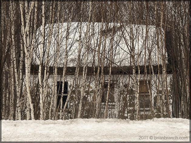 P1140532_abandoned_house