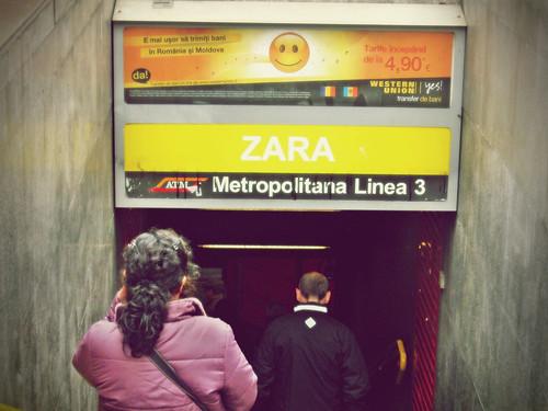 zara metro entrance