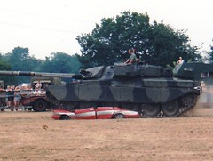 Never did like Starsky & Hutch! (tiger289 (The d'Arcy dog supporters club)) Tags: tank battletank challenger hopfarm beltring kent armour carcrushing challenger2 starskyandhutch pentax pentaxmesuper takumar militaryvehicles armouredvehicles tanks rasc reme