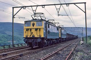 Class 76 near Hadfield