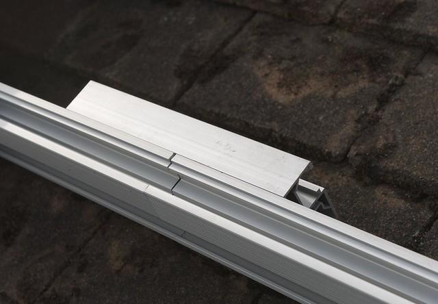 DSC_7177 Fitting solar PV