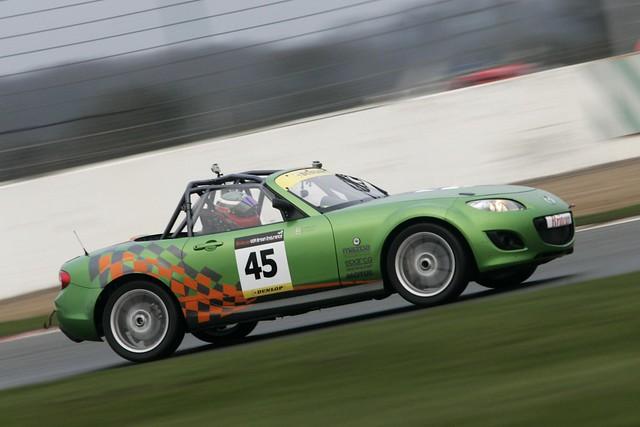 MazdaMX-5 GT_Sliverstone_2