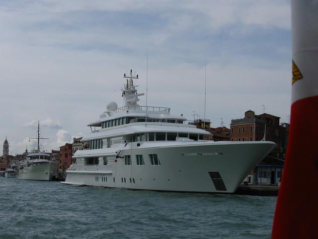 ヴェネツィアの客船のフリー写真素材