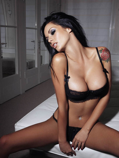 Jessica_Jane_CLement_Nuts_co__uk_03__1