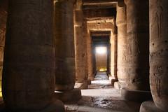 Templo de Sethi I en Abidos , Primera sala Hipstila , Abydos. (Soloegipto) Tags: egypt egipto luxor ramses ramsesii abydos setii abidos sethii templodesethienabidos