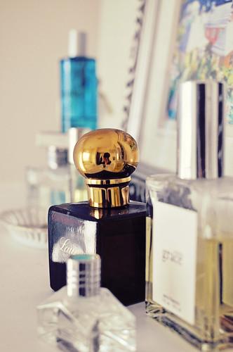 perfume-019vanity