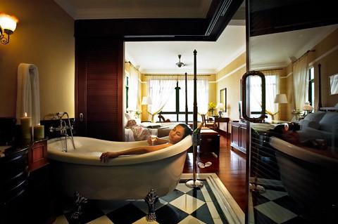 Deluxe Room Bathroom 2