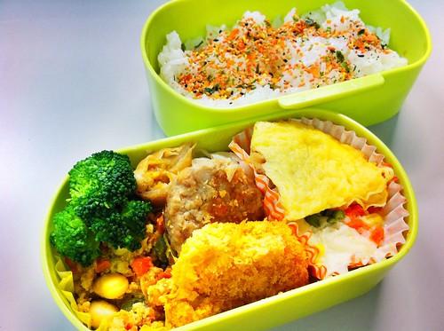 今日のお弁当 No. 110 – 鮭わかめ