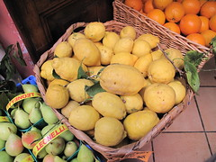 Citrussy goodness (milk_n_cookies) Tags: italy orange lemon italia forsale pear citrus limone citron italie poire