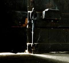 A few of light..... (annibale barone) Tags: door wood old light luz licht madera iron lumire porte  holz madeira antico luce photographing hout bois fer vieille ijzer legno portone antiquity  ferro eisen hierro portail maindoor olddoor  fotografando      chiavistello   southeurope flickrdiamond  platinumheartaward hccity  quotidiae mygearandme mygearandmepremium ab360gradi annibalebarone