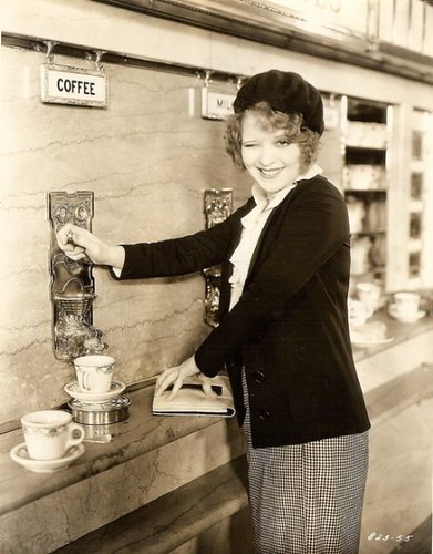 Clara at the Automat