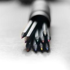 Coloréame (_Zahira_) Tags: color colour pencil cutout square lafotodelasemana dof lapiz olympus colores pinturas lapices cuadrado e500 uro desaturadoselectivo ltytr2 ltytr1 50mmom 50omf18