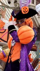 Mysterious Masquerade / Disney Halloween / Tokyo DisneySea (TDS) / TDR (haphopper) Tags: autumn people halloween dancers performers themepark tokyodisneysea 2010 tds tdr americanwaterfront mysteriousmasquerade