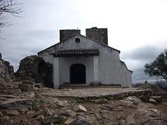 Ermita en el parque de Monfrage (targarina) Tags: ro puerta cielo rbol ermita monfrage piedras extremadura parquenacional cacers comunidadextremea